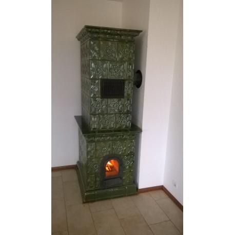 """Piec kaflowy tradycyjny """"GWIAZDA-RÓŻA"""" zielony 900 x 700 x 2250 mm"""